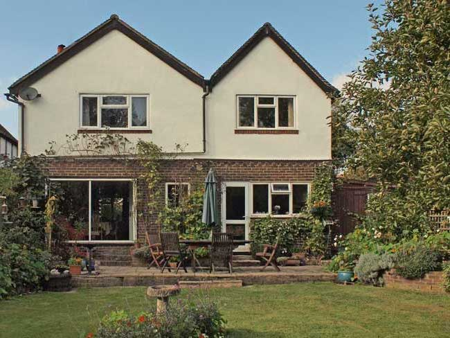 Arawa - B&B - Bed and Breakfast in Oxted, Cheap Hotels Surrey - rear of house